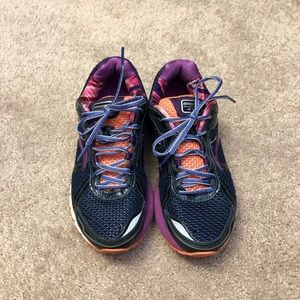 Brooks running shoes size 8Wide